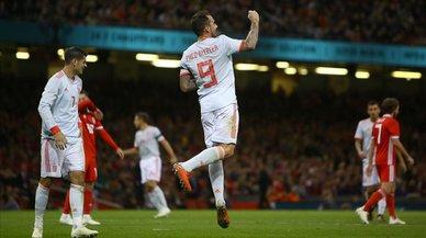 España golea a Gales con un Alcácer pletórico