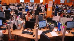 """La CNMC abre expediente a Orange, Vodafone y cinco empresas más por """"mal uso"""" de los 902"""