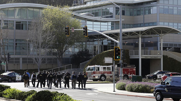 Despliegue policial en torno a la sede de Youtube tras el aviso de tiroteo