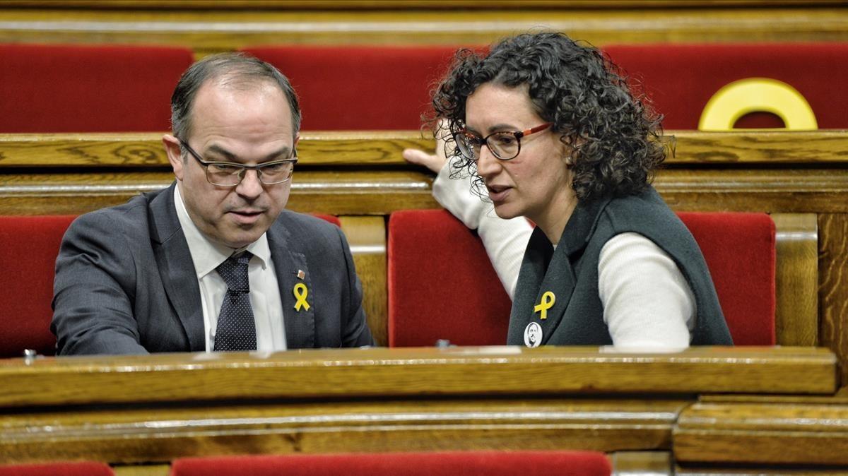 Turull y Rovira, en el pleno del Parlament.