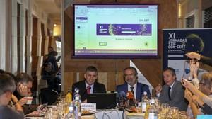 El jefe de Ciberseguridad del Centro Criptológico Nacional (dependiente del CNI), Javier Candau, y el subdirector general, Luis Jiménez, este martes en la rueda de prensa que han dado en Madrid.