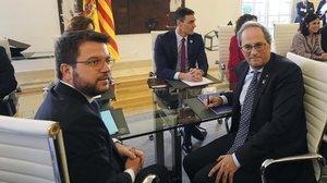 Pere Aragonès, Quim Torra y Pedro Sánchez, el miércoles en la Moncloa, durante la primera reunión de la mesa de diálogo.