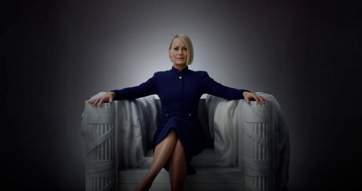 La actriz Robin Wright, interpretando el papel de Claire Underwood en House of Cards