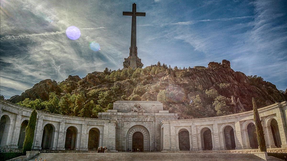 Nietos de Franco pedirán a tribunal detener exhumación