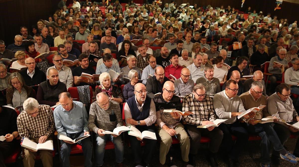 Uno de los ensayos preparatorios de 'El Mesías'realizados este otoño por el coro amateur de la Associació Messies Participatiu.