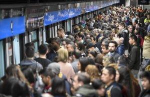 El metro de Barcelona torna a la vaga aquest divendres