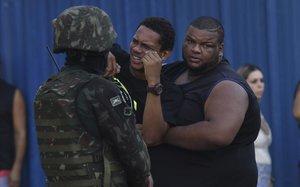 Un músic negre mor cosit a trets per soldats a Rio de Janeiro