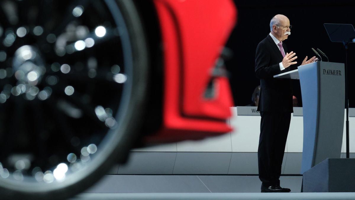 Dieter Zetsche habla en la junta de accionistas de Daimler.