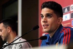 El internacional español Marc Bartra en rueda de prensa.