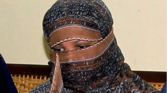 La cristiana condemnada a mort per blasfèmia i després absolta abandona el Pakistan