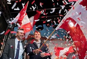 A la izquierda, Norbert Hofer, el candidato del partido ultraderechista FPO a las presidenciales en Austria. A la derecha,Heinz-Christian Strache, el líder del partido.