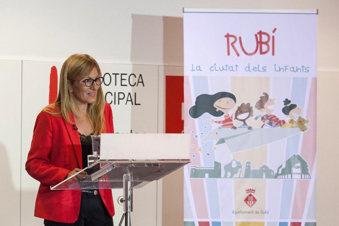 Ana María Martínez, durante la conferencia.