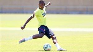 Ansu Fati, en un entrenamiento del Barça en la ciudad deportiva.