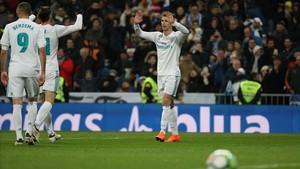 Benzema y Bale celebran con Cristiano uno de los goles del portugués ante la Real Sociedad.
