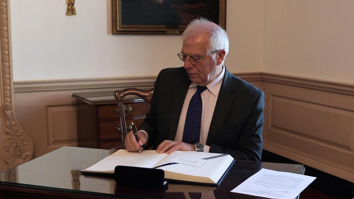 Borrell dice que la gestión británica del Brexit es bastante cómica.