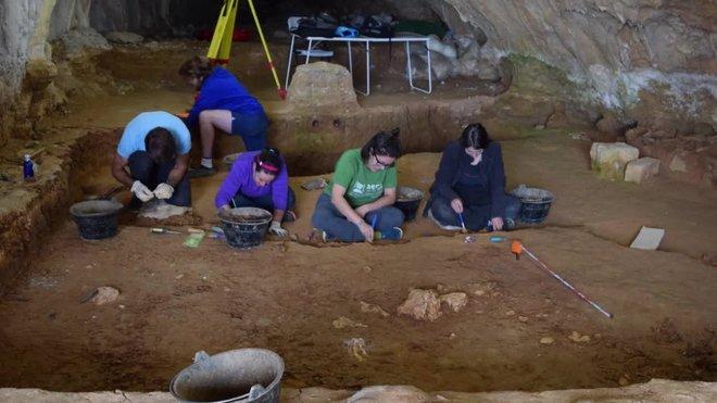 Campaña de excavación en el yacimiento de Prado Vargas.