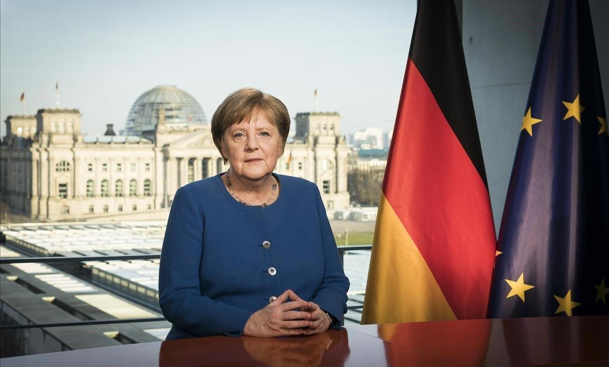 La cancillera alemana, Angel Merkel, durante su discurso a la nación alemana,