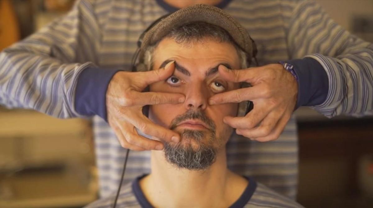 Un fotograma del vídeo de la canción Bon son, creado por el Hospital Quirónsalud Barcelona y el grupo Xiula.