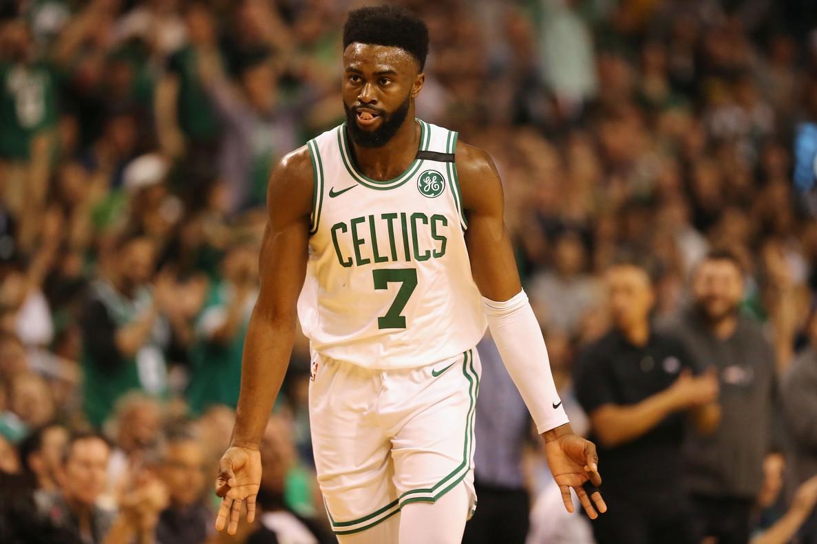 Jaylen Brown condujo a los Celtics en el 2-0 ante los Cavaliers.