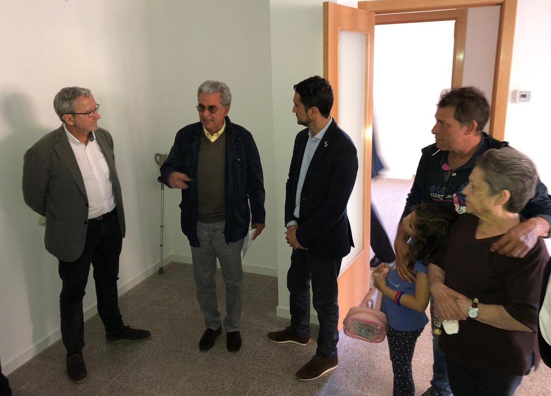 El conseller Calvet, durant el lliurament a Sabadell de pisos construïts per l'INCASÒL i finançats per l'Agència de l'Habitatge de Catalunya.
