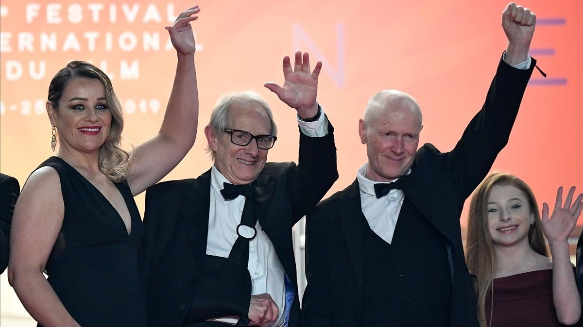 El director Ken Loach (c) en la alfombre roja del Festival de Cannes.