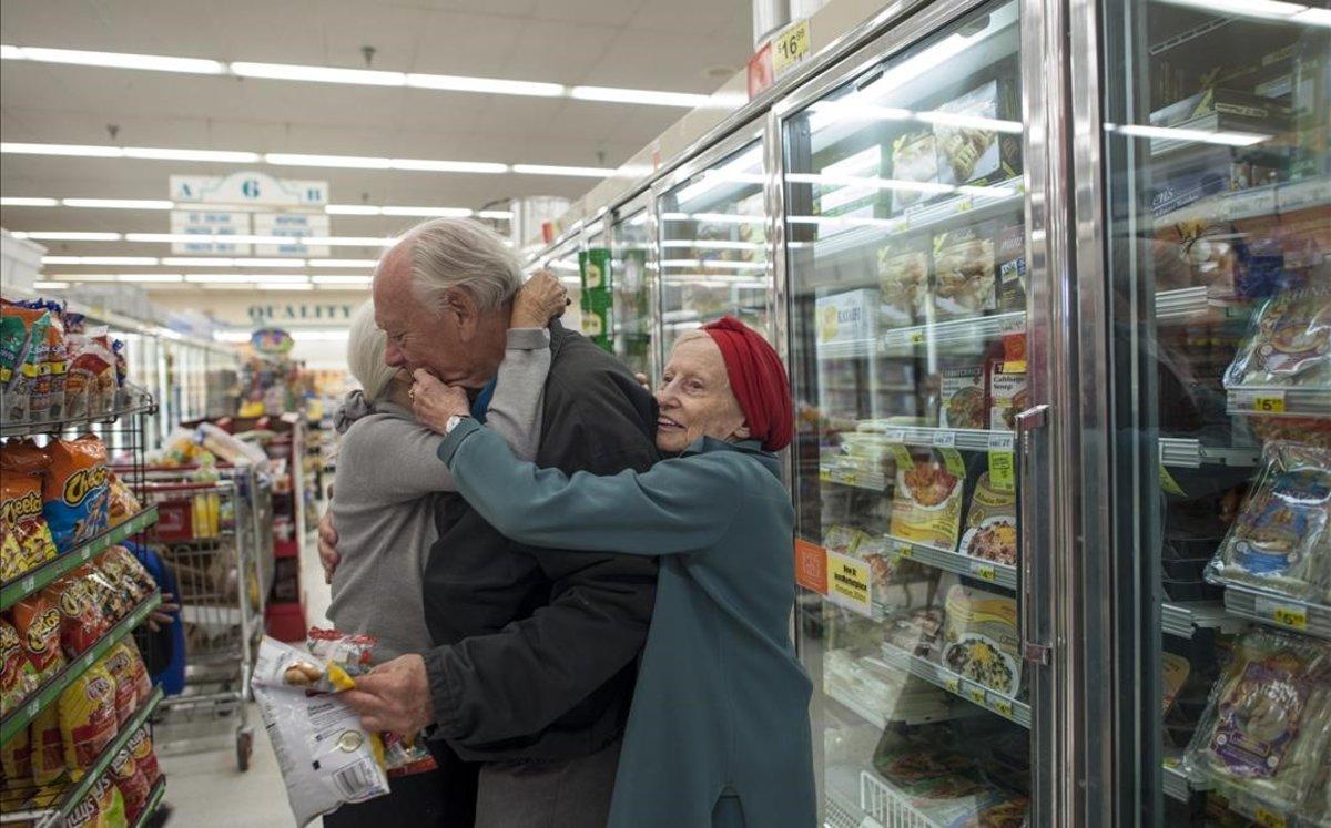 Una de las fotografías de Senior love triangle, una historia sobre amor en la tercera edad.