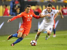 Edson Puch y Daniel Torres, en un lance del partido.