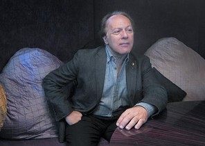 El escritor madrileño Javier Marías, en el Hotel Casa Fuster de Barcelona.