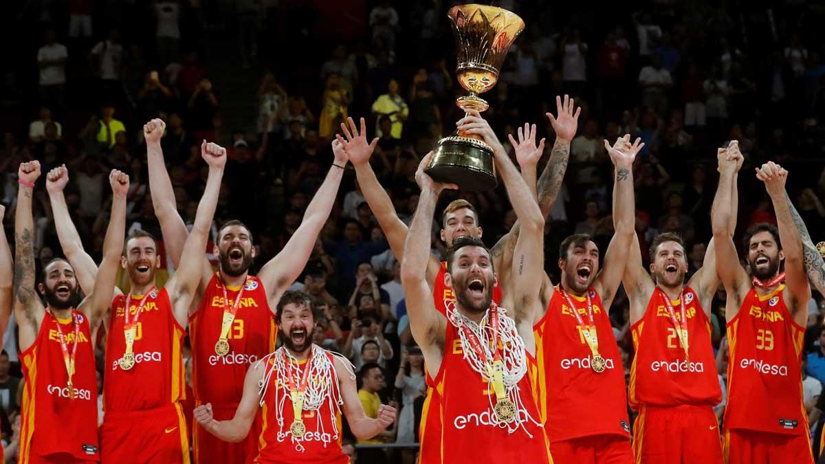 España celebra el título de campeona mundial de baloncesto.