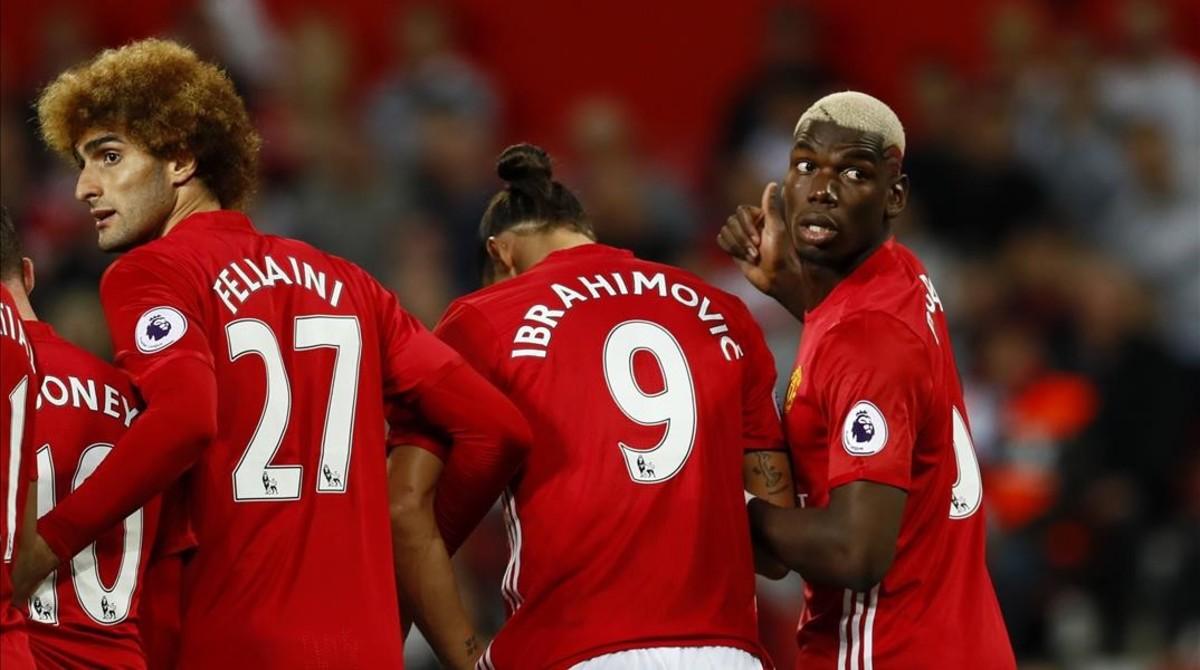 Fellaini, Ibrahimovic y Pogba, en el partido de este viernes del Manchester United contra el Southampton.