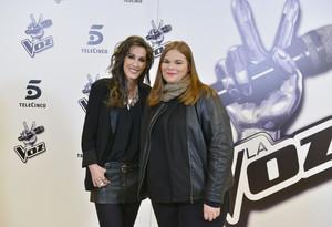 La ganadora de La voz, Irene Caruncho, junto a su coach, la cantante Malú.