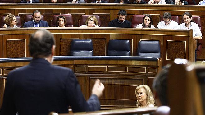Iglesias y Rajoy se enzarzan en el debate a cuenta del uso de Twitter y los SMS.