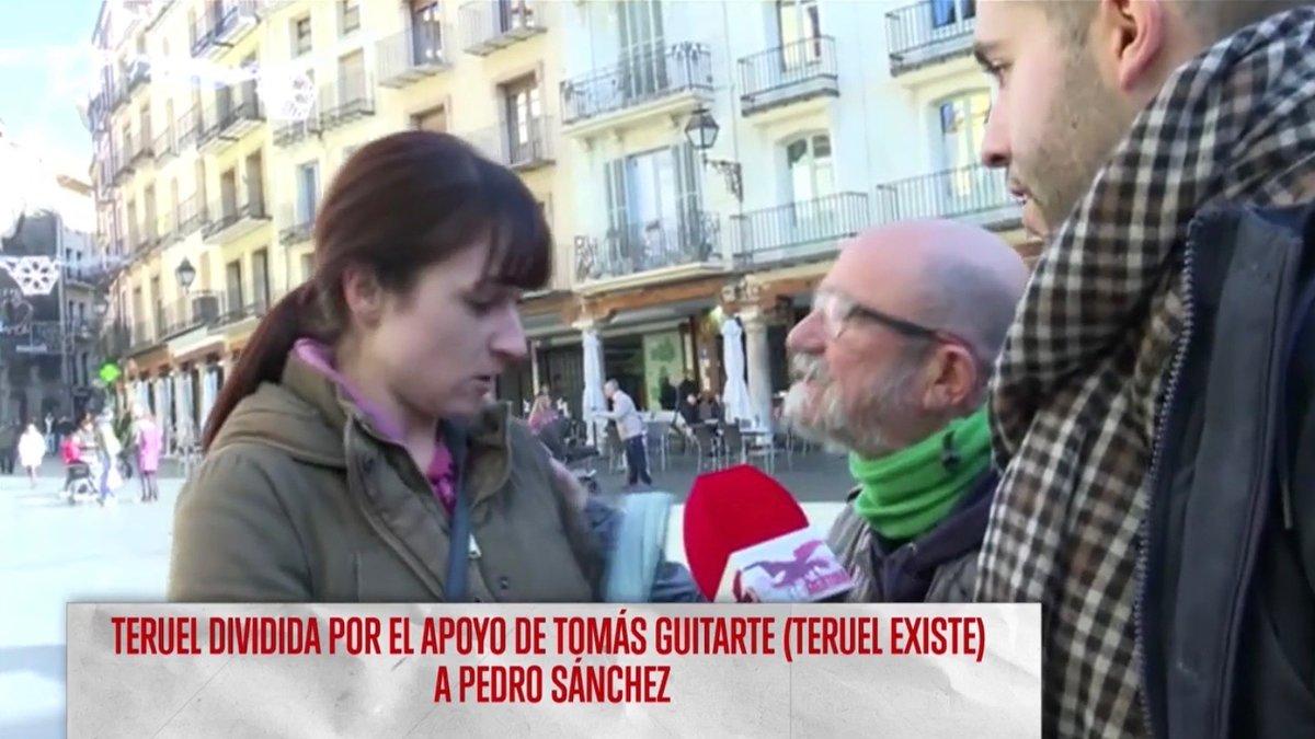 """Una integrante de Vox Teruel interrumpe un directo de televisión: """"Si hay que fusilarte, lo haremos"""""""