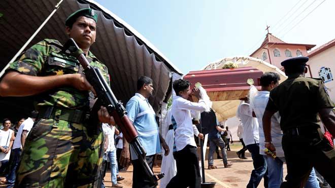 Las autoridades de Sri Lanka siguen alerta ante la posibilidad de más ataques.