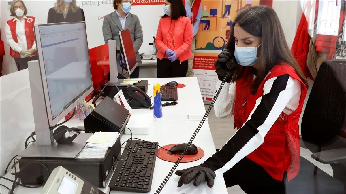 Letizia se convierte en voluntaria de la Cruz Roja