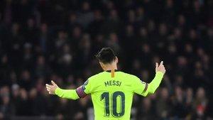 Leo Messi en el partido ante el PSV.