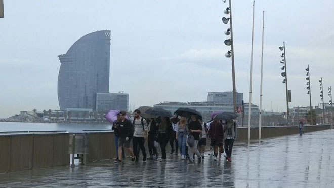 Lluvias y descenso de temperaturas en Barcelona.