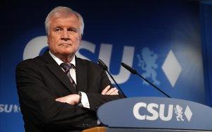 El ministro del Interior y líder de la CSU, Horst Seehofer.