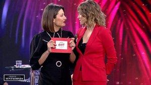 Nagora y Sandra Barneda en el plató de 'El debate de las tentaciones'.