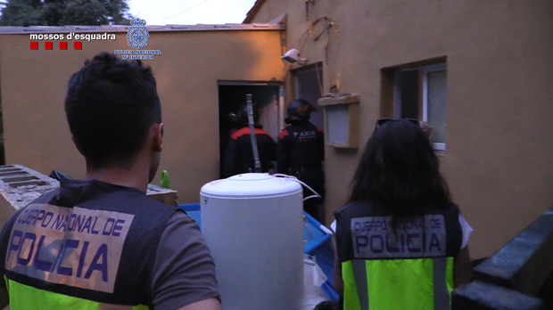 Imagen de la operación policial contra los estafadores.