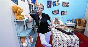 Pionera del cómic. Estudió bellas artes. Creó Esther en 1971.