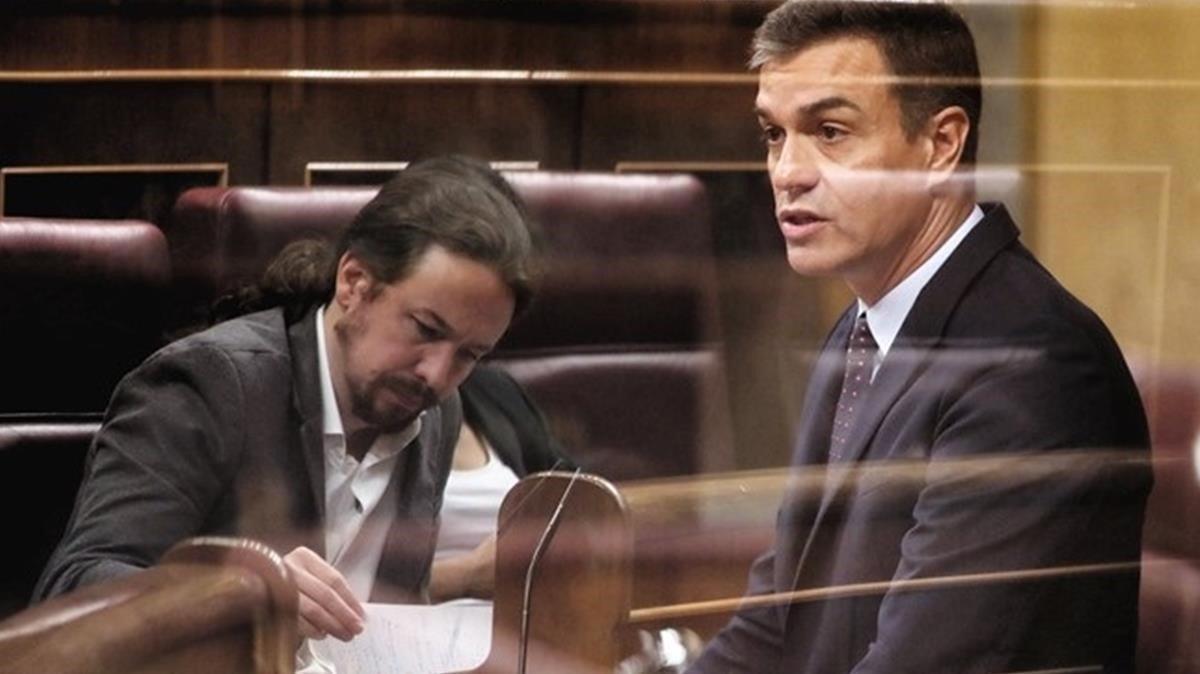 El presidente del Gobierno en funciones, Pedro Sánchez, y el líder de Unidas Podemos, Pablo Iglesias.