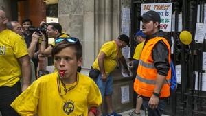 Protesta vecinal en la Barceloneta contra los apartamentos turísticos.