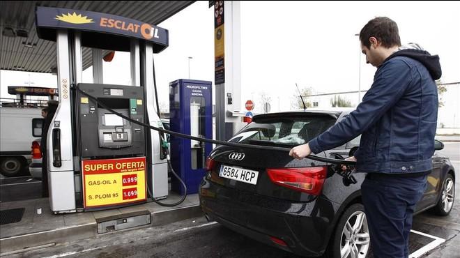 El petróleo cae hasta la cota de los 30 dólares