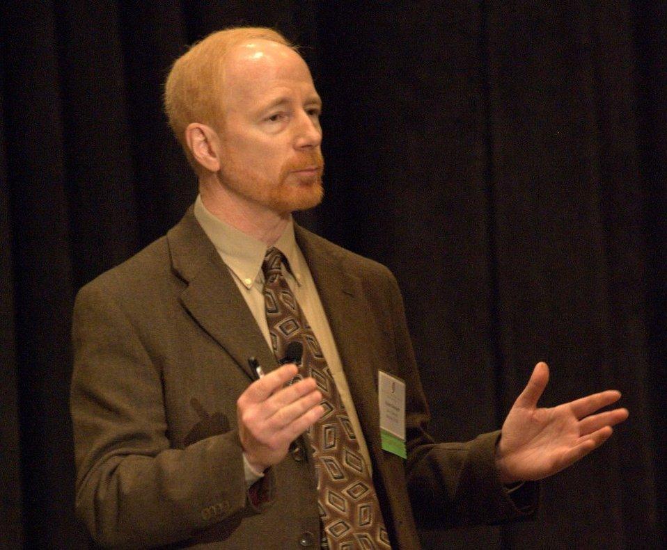 El Dr. Robert A. Neimeyer.