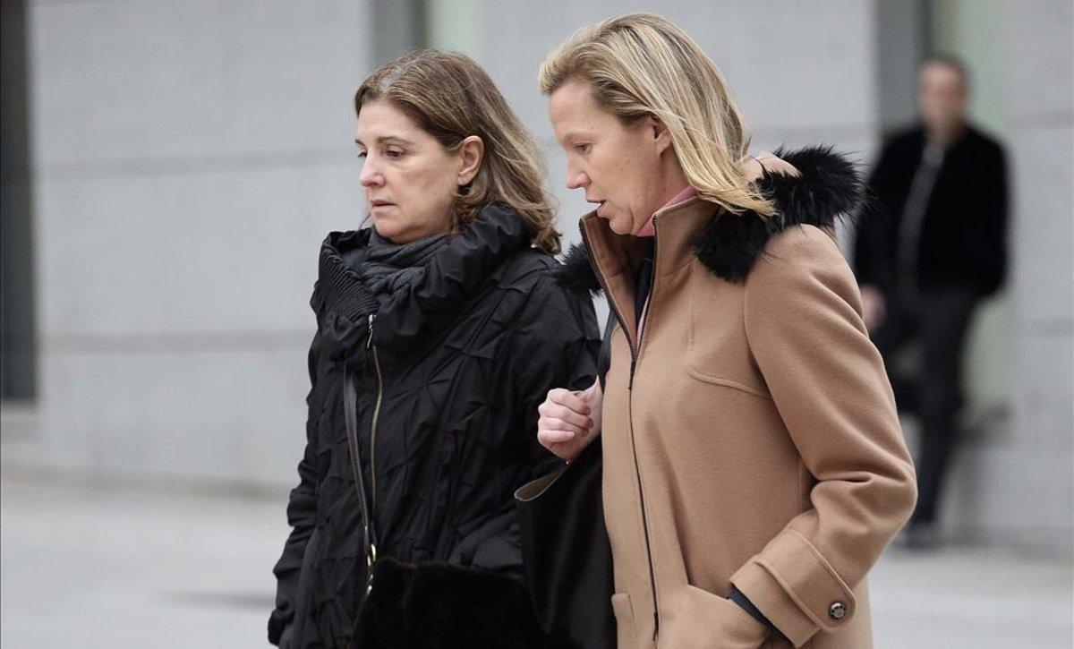 El juez prohíbe salir del país al comisario que captó al chófer de Bárcenas