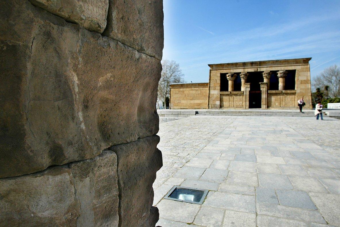 El Templo de Debod es uno de los monumentosturístico de Madrid