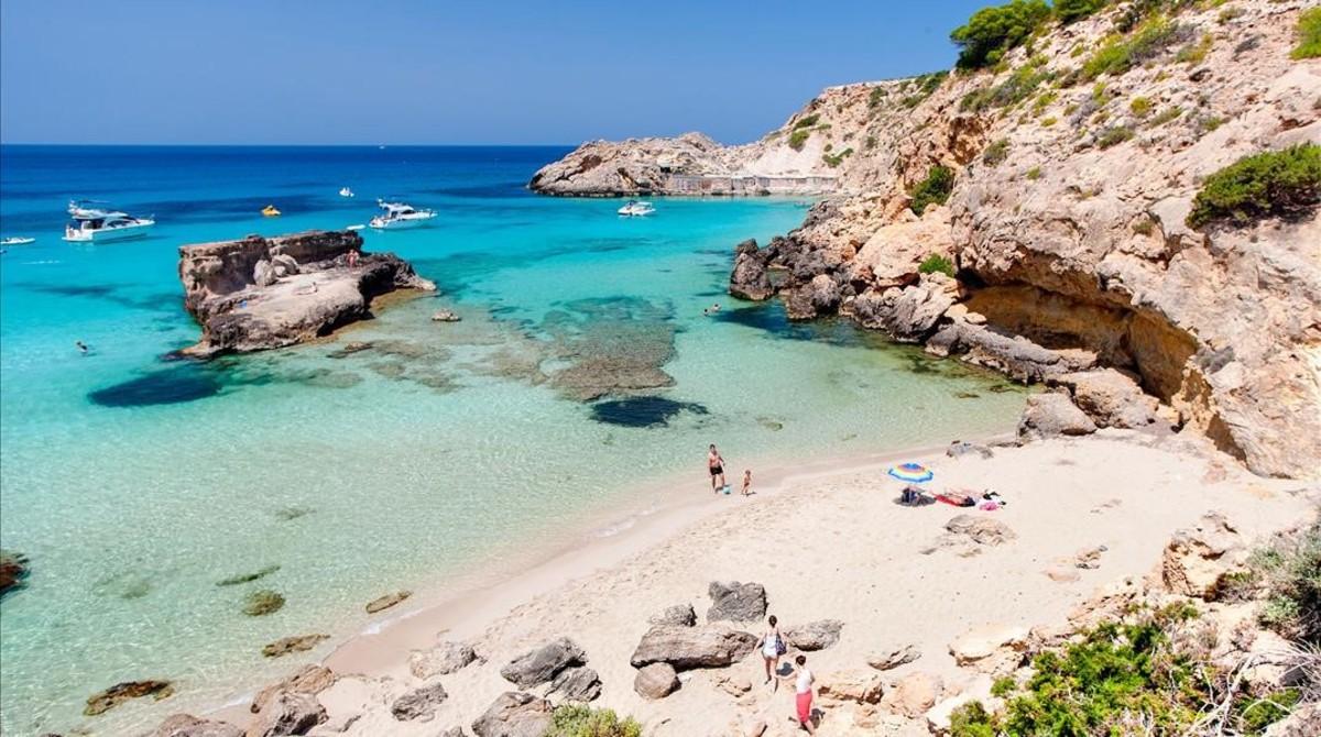 Una playa de Ibiza en una imagen de archivo.