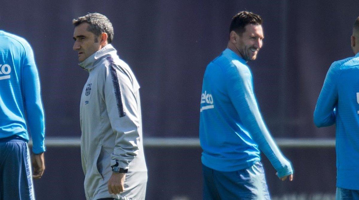 Valverde y Messi, en el entrenamiento en la Ciutat Esportiva Joan Gamper.