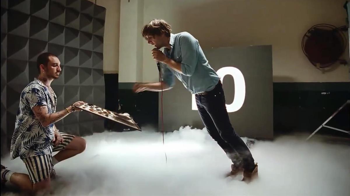 Videoclip de Trying to be cool, de Phoenix